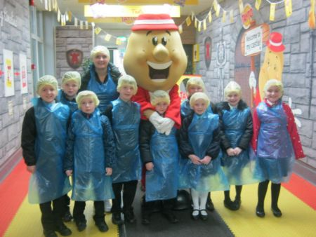 P5 visit The Tayto Factory as part of their Northern Ireland Products Topic - December 2016